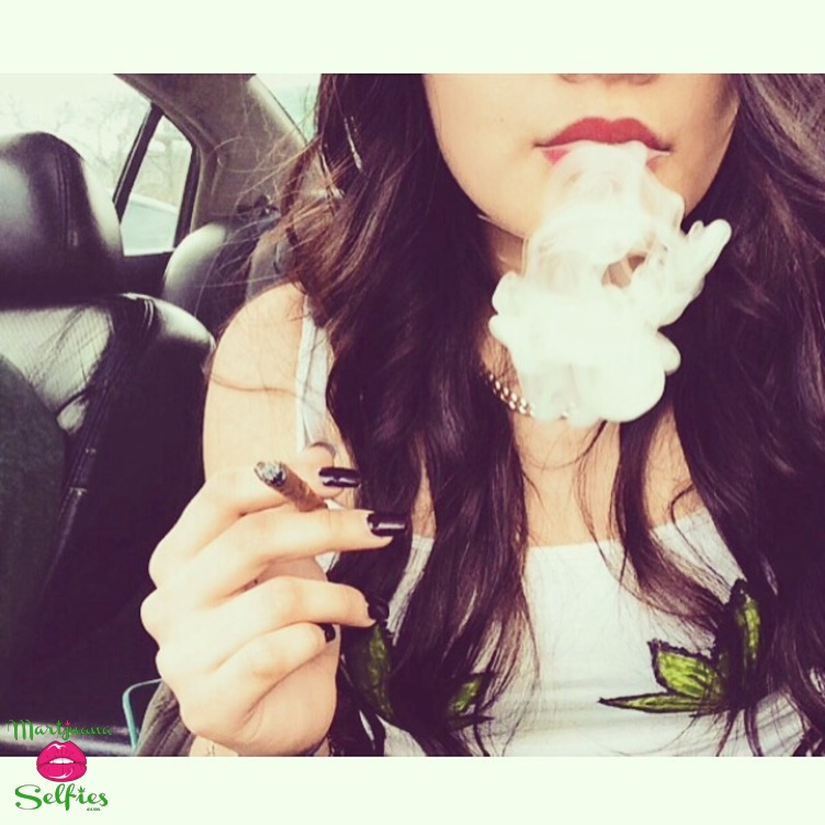 Vanessa Quintana Selfie No. 1022 - VOTE for this Marijuana Selfie!