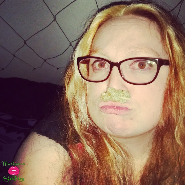Anonymous Selfie No. 1164 - VOTE for this Marijuana Selfie!