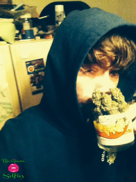 Moon Candyinc Selfie No. 1681 - VOTE for this Marijuana Selfie!
