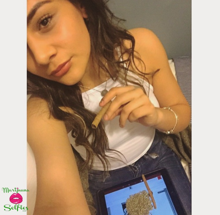 Vanessa Quintana Selfie No. 2073 - VOTE for this Marijuana Selfie!