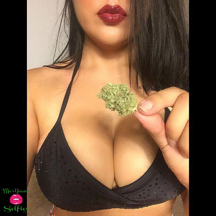 Anonymous Selfie No. 2090 - VOTE for this Marijuana Selfie!