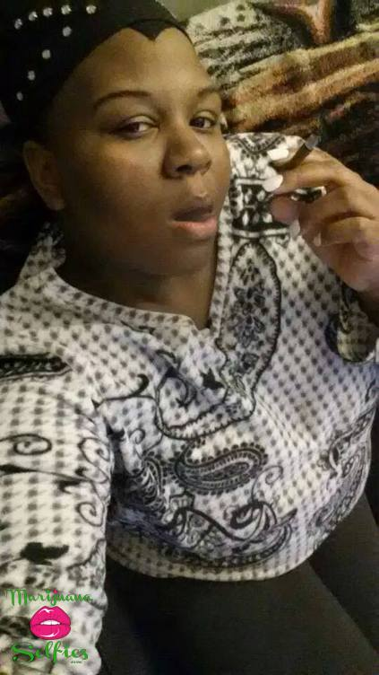 Monique Davis Selfie No. 211 - VOTE for this Marijuana Selfie!