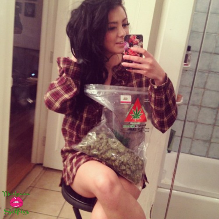 Anonymous Selfie No. 2225 - VOTE for this Marijuana Selfie!