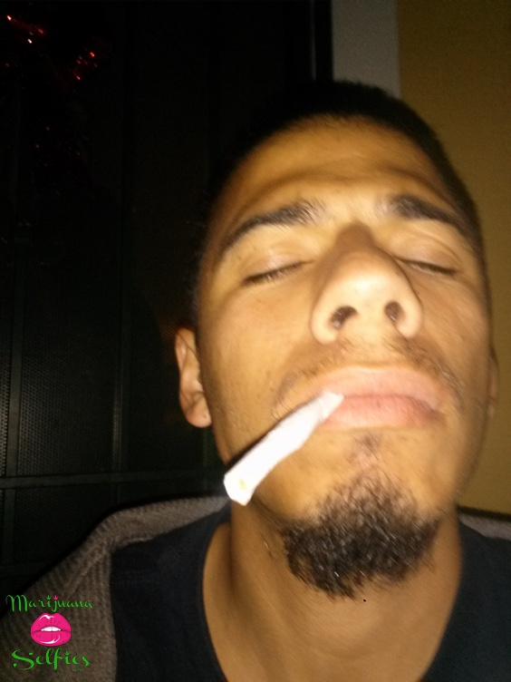 Anonymous Selfie No. 227 - VOTE for this Marijuana Selfie!