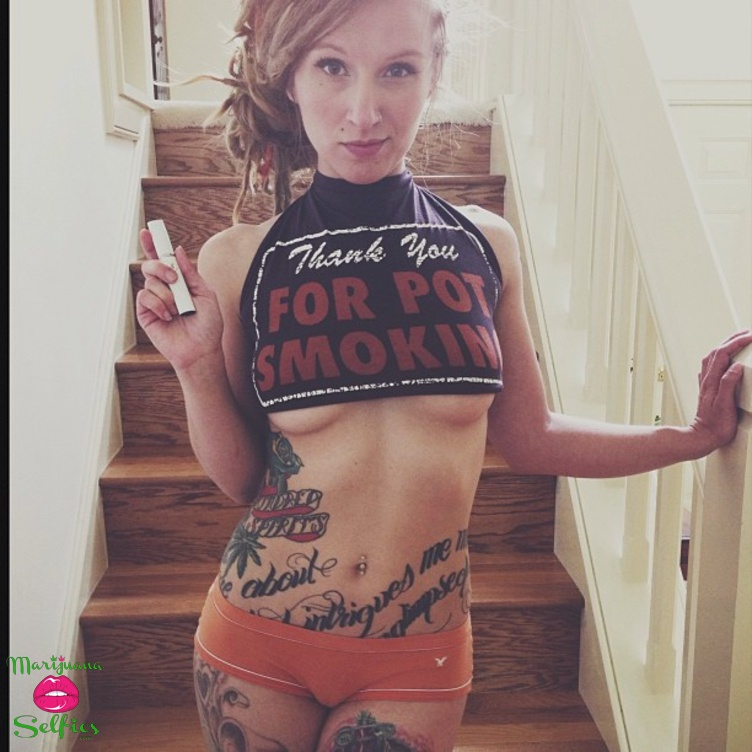 Anonymous Selfie No. 3942 - VOTE for this Marijuana Selfie!