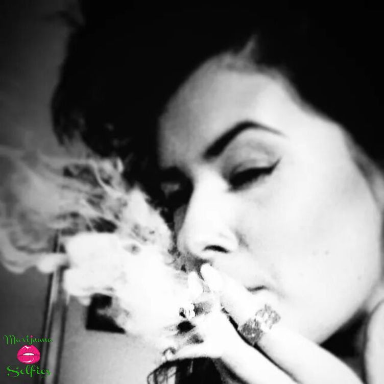 Jen Jenner Selfie No. 489 - VOTE for this Marijuana Selfie!