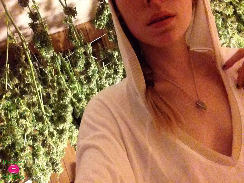 morgan leddy Selfie No. 667 - VOTE for this Marijuana Selfie!