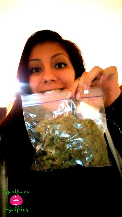 Anonymous Selfie No. 721 - VOTE for this Marijuana Selfie!