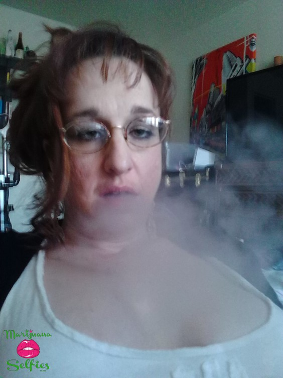 Anonymous Selfie No. 755 - VOTE for this Marijuana Selfie!