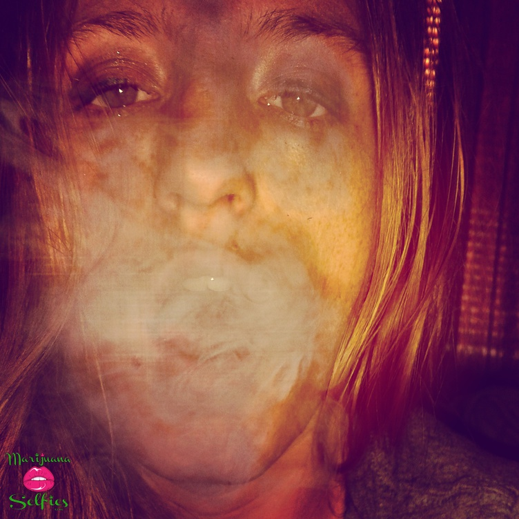 Molly Wiseman Selfie No. 914 - VOTE for this Marijuana Selfie!